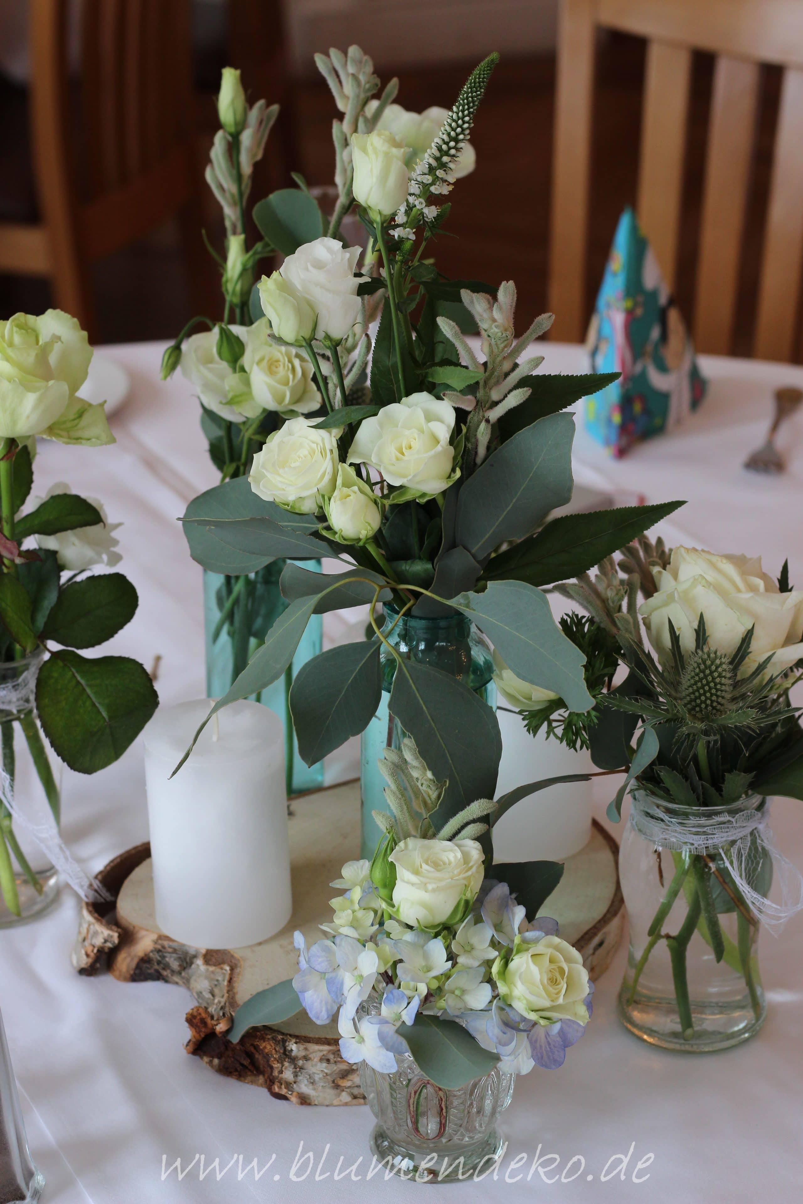 Tischdekoration Vintage Winter Hochzeit Holzscheibe Eisblau