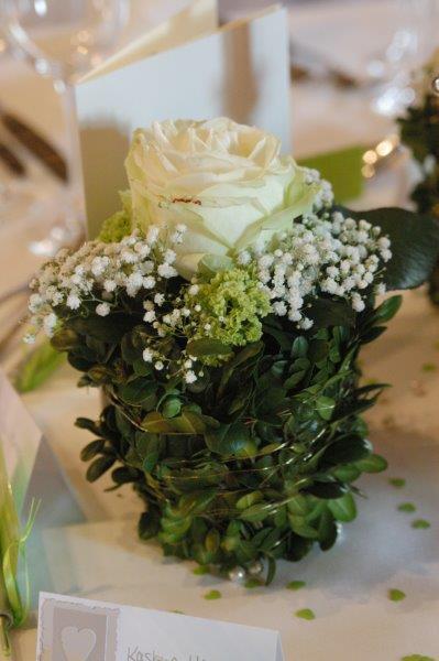 Blumendeko weiß